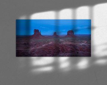 Blaue Stunde im Monument Valley