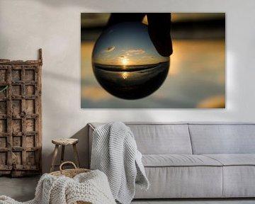 zonsondergang met lens ball van Annelies Cranendonk