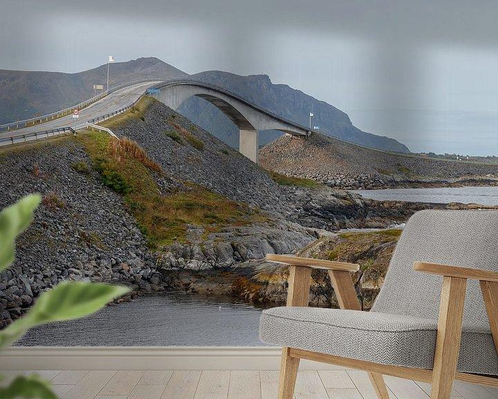 Sfeerimpressie behang: Atlantic Road Noorwegen van Menno Schaefer