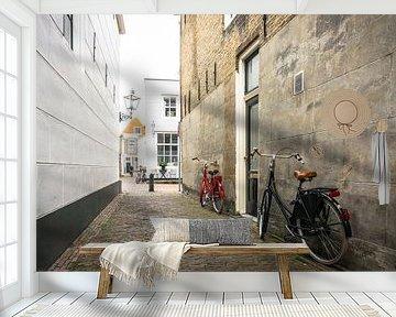 Rode en zwarte fiets in Zierikzee | Zeeland van Ricardo Bouman