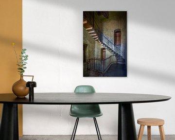 Verlaten trappenhuis van Frans Nijland