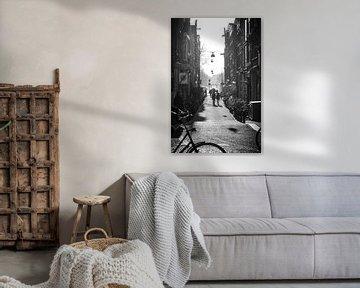 Passin' by (Amsterdam) van Tom Loman
