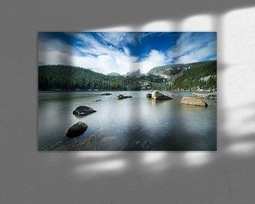 Rocky Mountain Gebirgssee im Winter