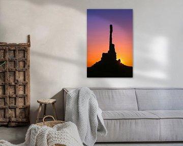 Sonnenaufgang am Totempfahl im Monument Valley von Henk Meijer Photography