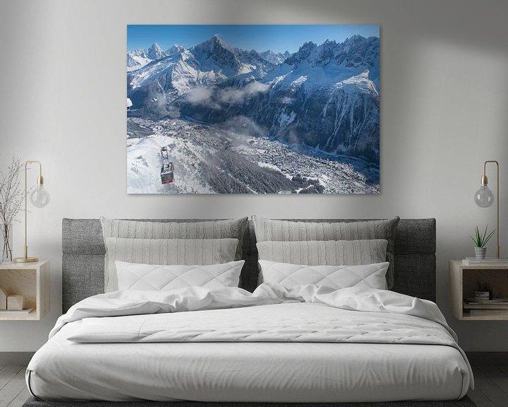 Sfeerimpressie: De kabelbaan naar de Brevent boven Chamonix in de Mont Blanc vallei. van Menno Boermans