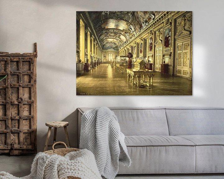 Sfeerimpressie: The Louvre, a gallery in the Louvre, Paris van Vintage Afbeeldingen