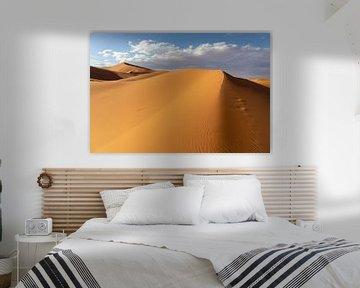 Schöne Sanddünen in der Wüste der Sahara, Marokko, Afrika. von Tjeerd Kruse