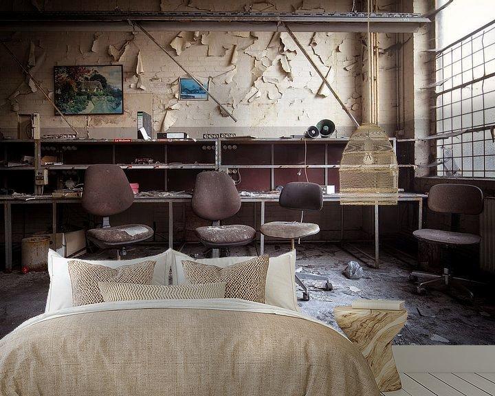 Sfeerimpressie behang: verlaten bureau van Kristof Ven