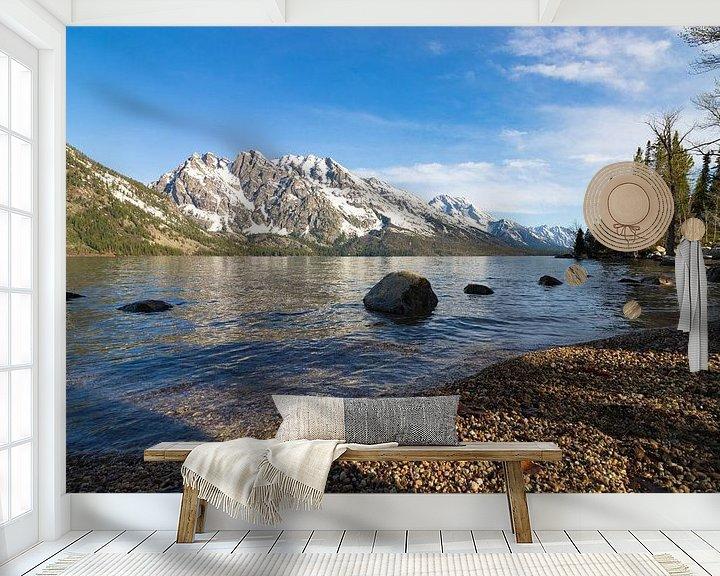 Sfeerimpressie behang: Mountain view Grand Teton van Wilco Speksnijder