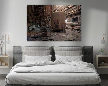 verlassener Kessel in einer rostigen Fabrik von Kristof Ven
