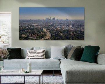 Skyline de Los Angeles depuis les collines d'Hollywood sur Toon van den Einde