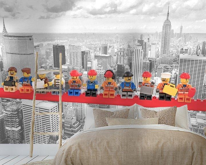 Beispiel fototapete: Lunch atop a skyscraper Lego edition - New York von Marco van den Arend