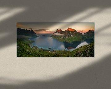 Kjerkfjorden Midnight Sun Panorama von Wojciech Kruczynski