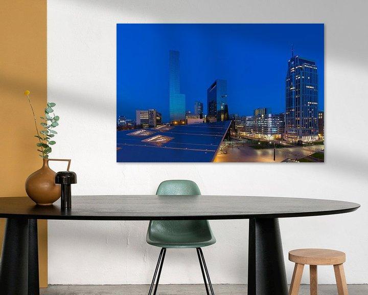 Sfeerimpressie: Rotterdam bij avondlicht van Wim van der Wind