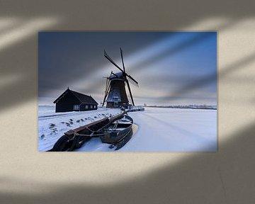 Hollands landschap met molen in de winter van Frank Peters
