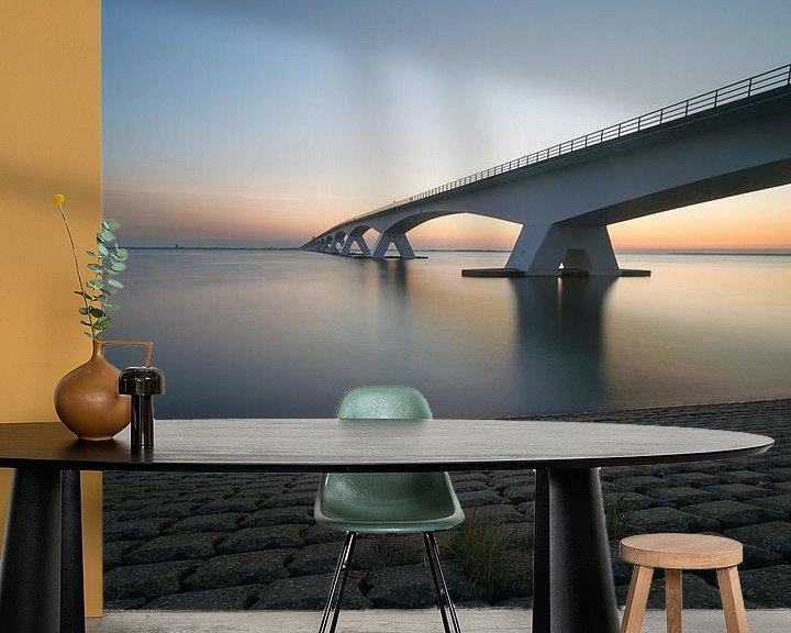 Sfeerimpressie behang: Zeelandbrug 's morgensvroeg van Roelof Nijholt