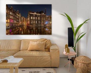 De Oudezijds Voorburgwal in Amsterdam van Wim Kanis