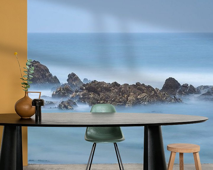 Sfeerimpressie behang: Misty Rocks van Rob Christiaans