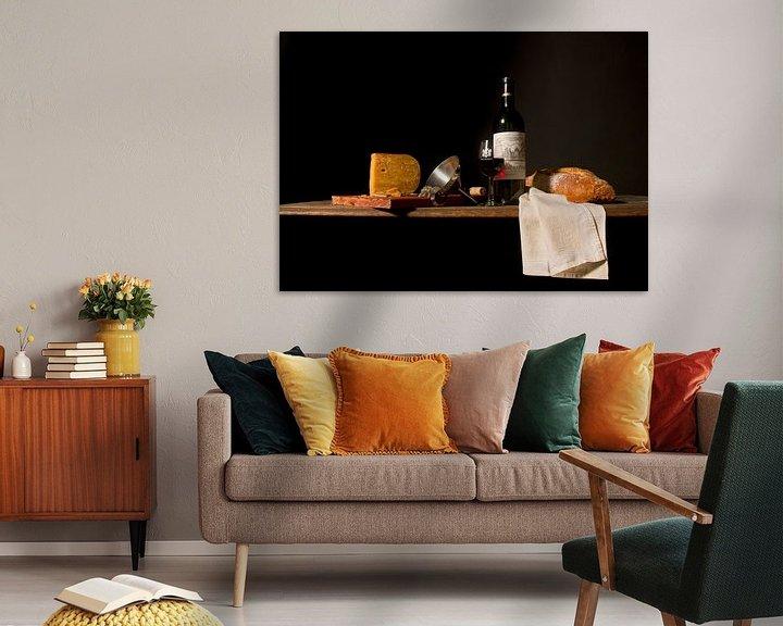 Beispiel: Stilleben mit Wein, Brot und Käse von Marco Heemskerk