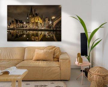 Gent, Graslei weerspiegeld in water van Edward Sarkisian