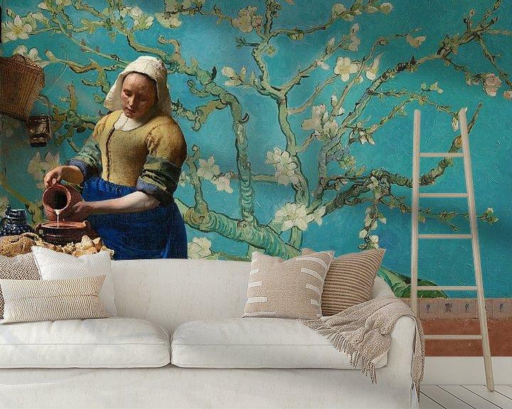 Sfeerimpressie behang: Melkmeisje van Vermeer met Amandel bloesem behang van Van Gogh van Lia Morcus