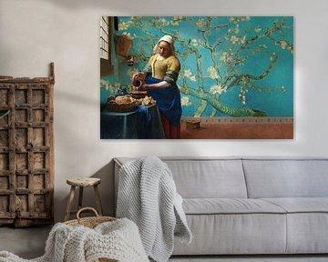 Melkmeisje van Vermeer met Amandel bloesem behang van Gogh van Lia Morcus