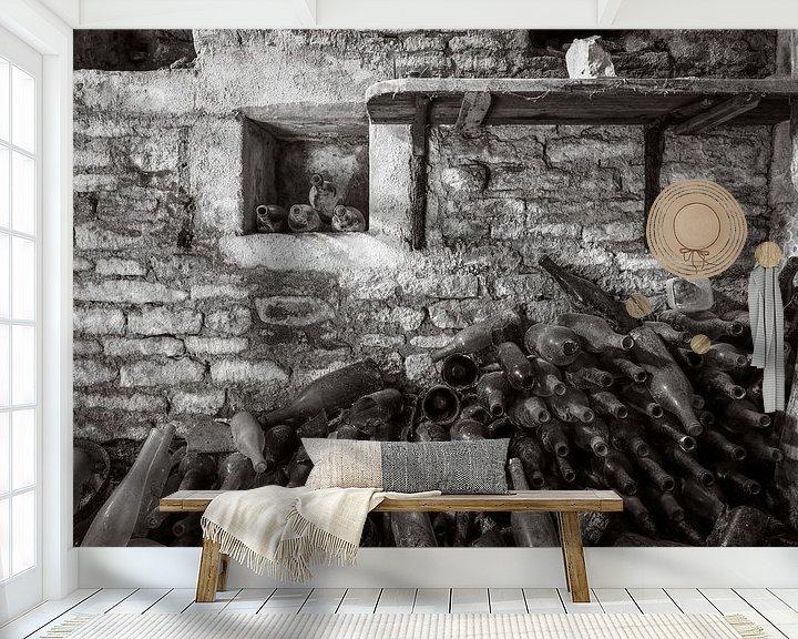 Beispiel fototapete: Weinkeller in einem verlassenen Schloss. von Patrick Löbler