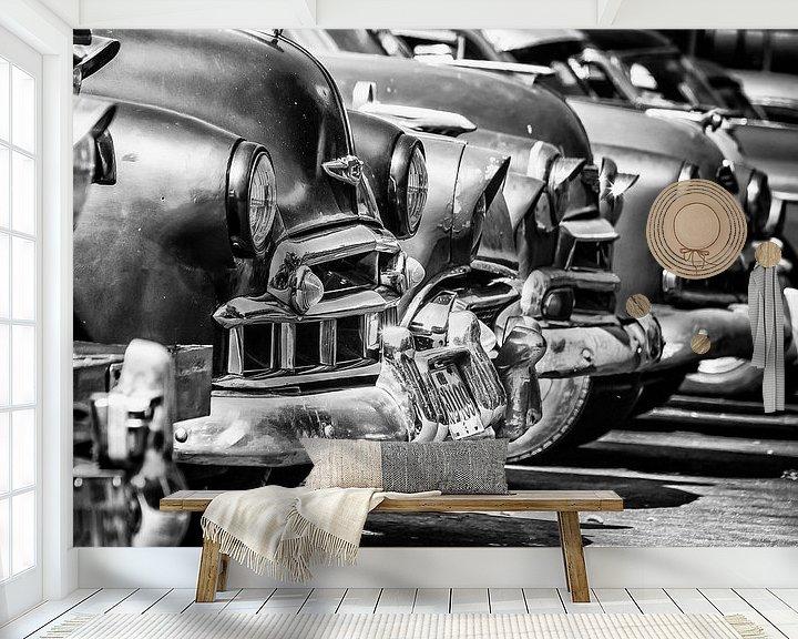 Sfeerimpressie behang: Havanna - bumpers en motorkappen van Theo Molenaar