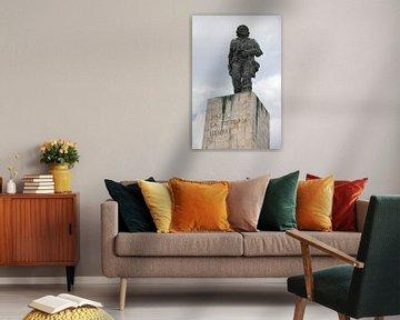 Statue de Che Guevara à Santa Clara, Cuba sur Kees van Dun
