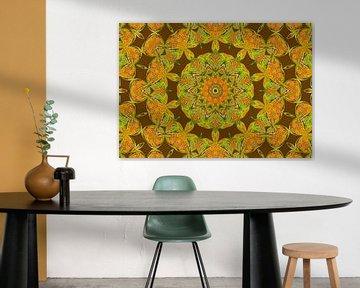 Rosetta in Gelb (Mandala in Oker) von Caroline Lichthart