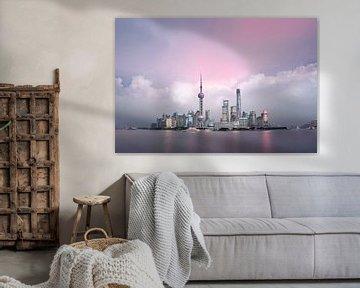 Pink sky Shanghai, China von Rene Mens