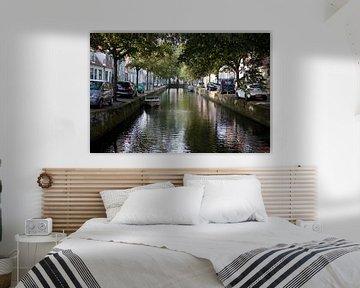 Kanal in Enkhuizen von Kees van Dun
