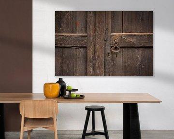 Zweedse houten deur van Margreet Frowijn