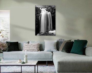 Wasserfall entlang des Laugavegur auf dem Weg nach Thorsmork von Gerry van Roosmalen