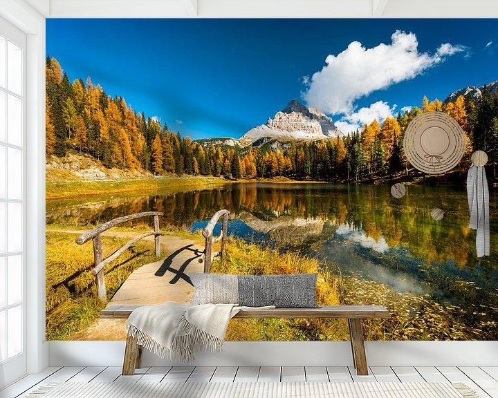 Beispiel fototapete: Eine See, Herbstfarben und berge in der Dolomiten von Rob IJsselstein