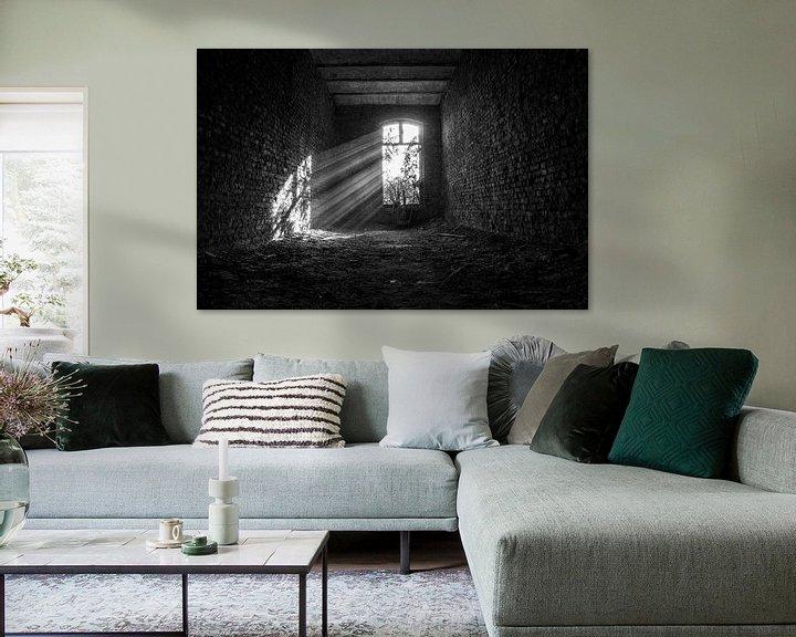 Beispiel: Schwarze und weiße Sonnenstrahlen urbex space von Sasja van der Grinten