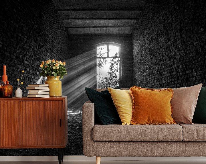 Beispiel fototapete: Schwarze und weiße Sonnenstrahlen urbex space von Sasja van der Grinten