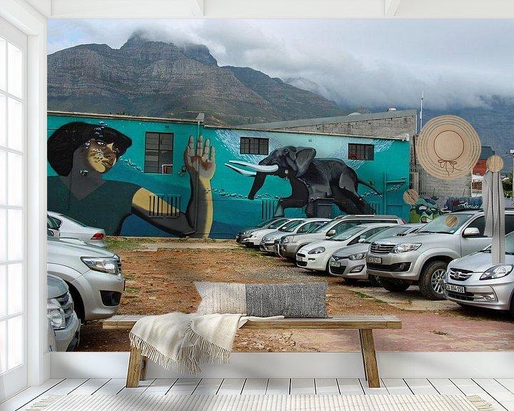 Sfeerimpressie behang: Streetart Woodstock Kaapstad van Marieke Funke