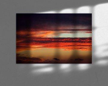 Rode luchtlagen van Jolanta Mayerberg