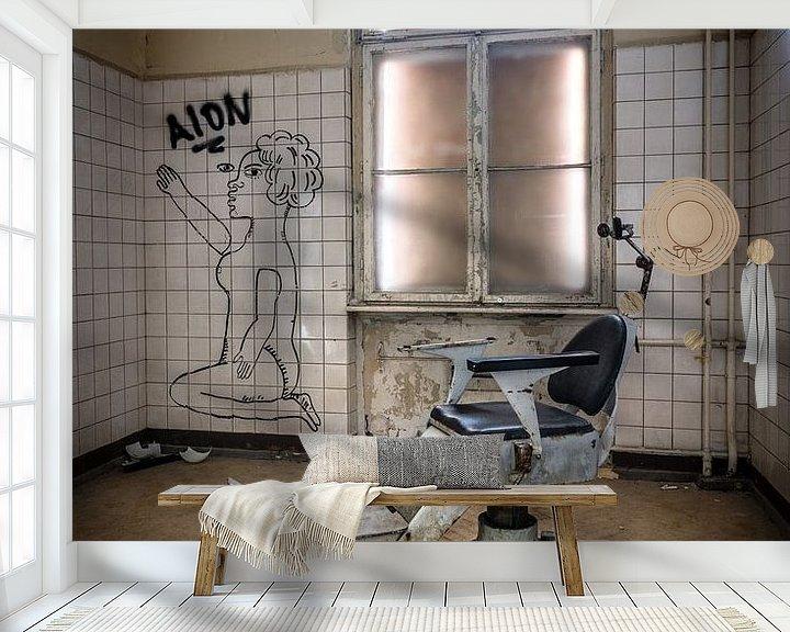 Sfeerimpressie behang: Behandelstoel tandarts van Inge van den Brande