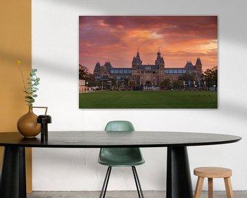 Vurige zonsopkomst Rijksmuseum Amsterdam sur Dennis van de Water