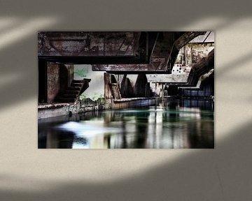 Koelbak oude staalfabriek von Nart Wielaard
