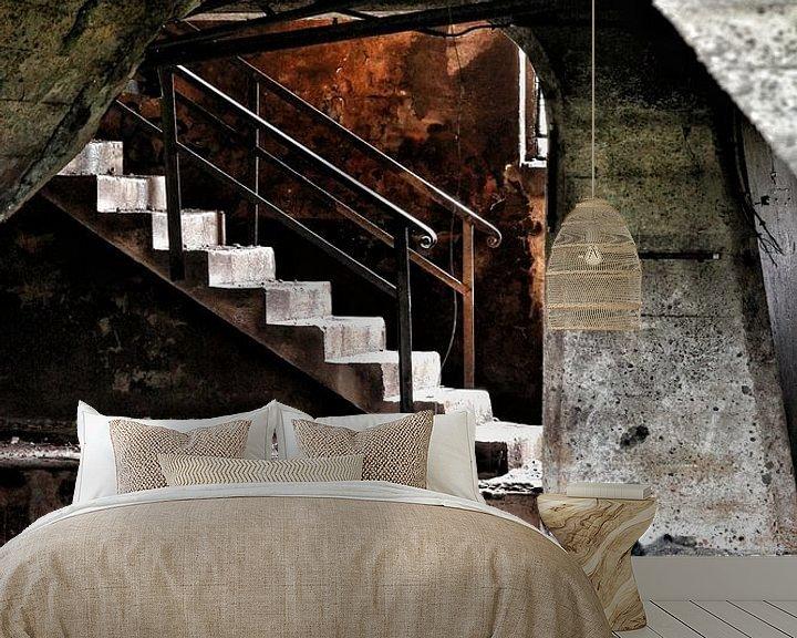 Sfeerimpressie behang: Waar is de trap? van Nart Wielaard