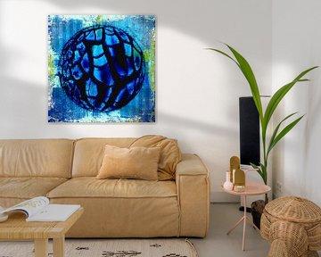 Cracked blue sphere von PictureWork - Digital artist