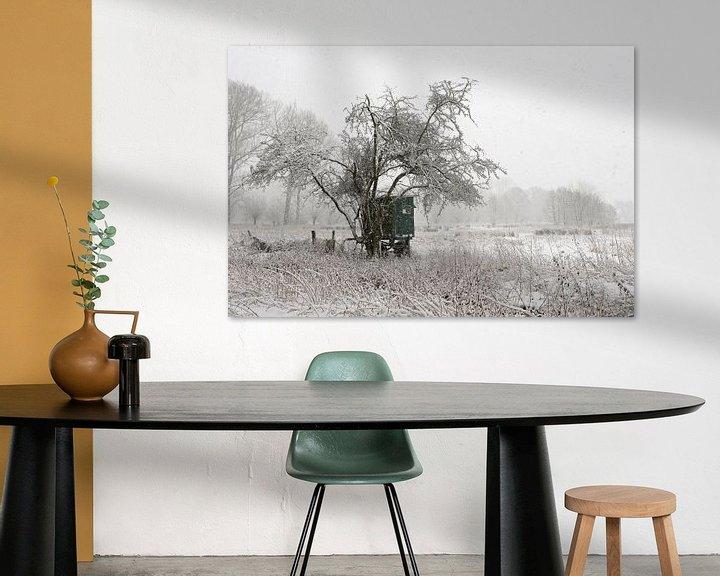Sfeerimpressie: Mobile deerstand, onset of winter at a wide open natural landscape van wunderbare Erde