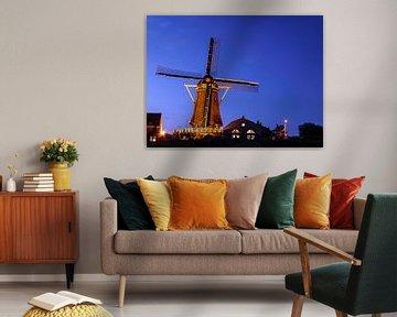 Hollandse Windmolen Nootdorp Holland in het blauwe uurtje von Petra Kester