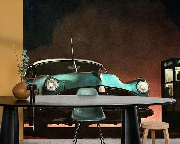 Sfeerimpressie behang: Retro – Klassiek Oldtimer Hudson Hornet en een vrouw in een telefooncel van Jan Keteleer