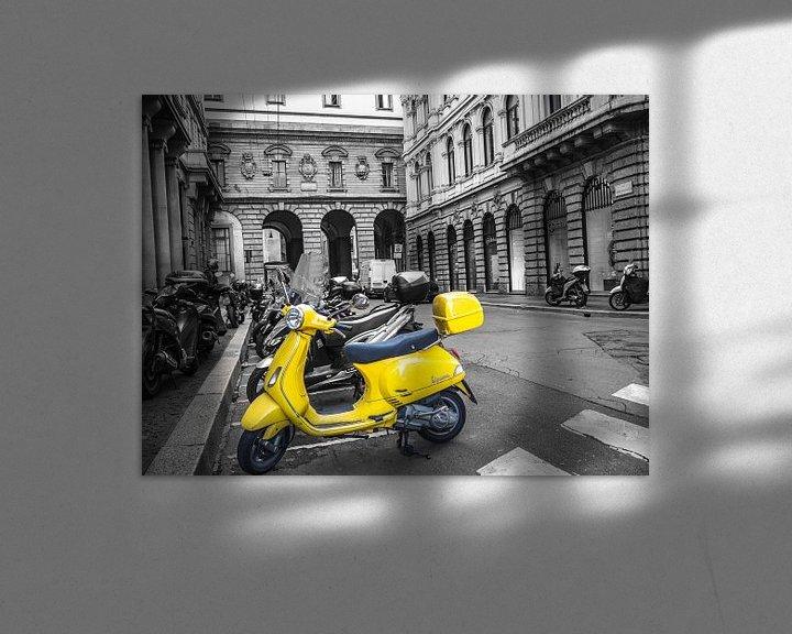 Beispiel: Italienischer gelber Roller von Martijn Tilroe