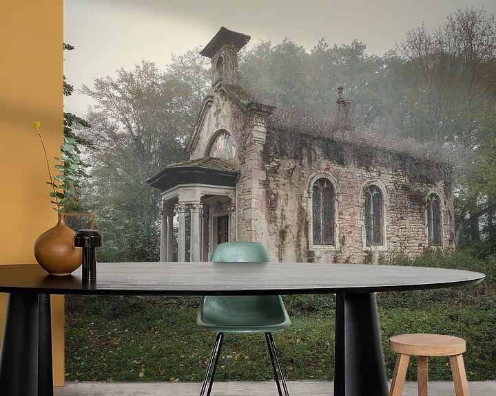Beispiel fototapete: Verlassene Kapelle in einer Burg von Kristof Ven
