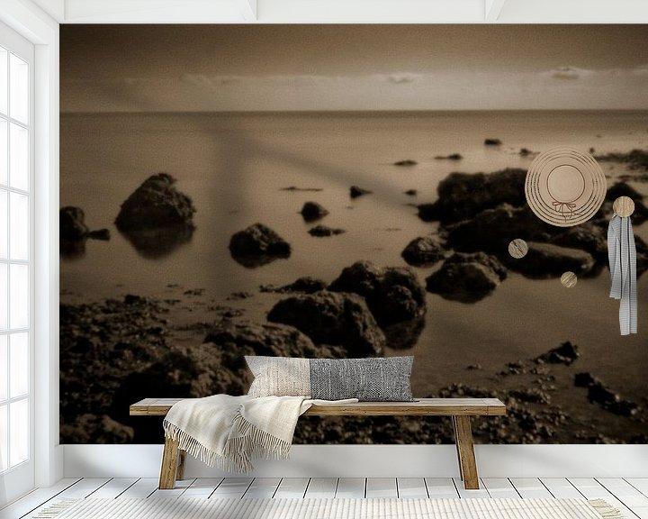Sfeerimpressie behang: Rocks 5133sepia van Rudy Umans